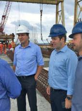 Governador Camilo Santana visita obras de expansão do Porto do Pecém